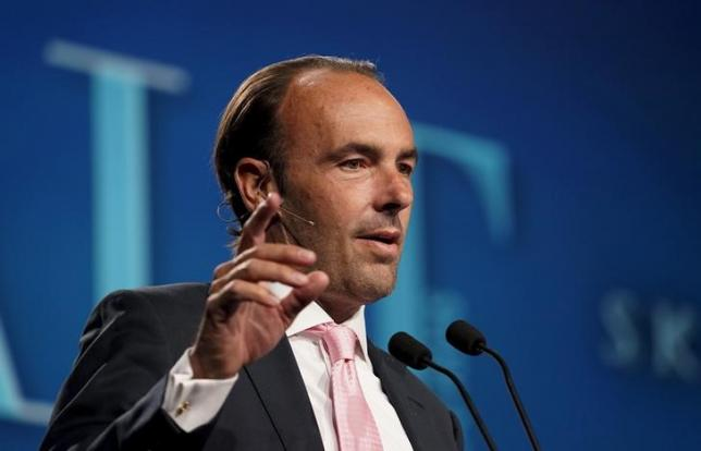 Kyle Bass, CIO of Hayman Capital Management, speaks on a panel at the annual Skybridge Alternatives Conference (SALT) in Las Vegas May 7, 2015.  REUTERS/Rick Wilking